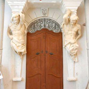 Barokk festett kapu (szekkótechnika) Szokán Erikával közös munka